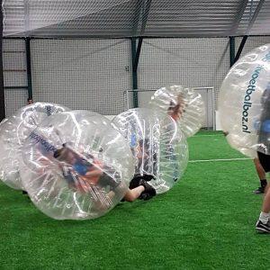 teamuitje-den-bosch-natuur-en-avontuur-bubble-voetbal